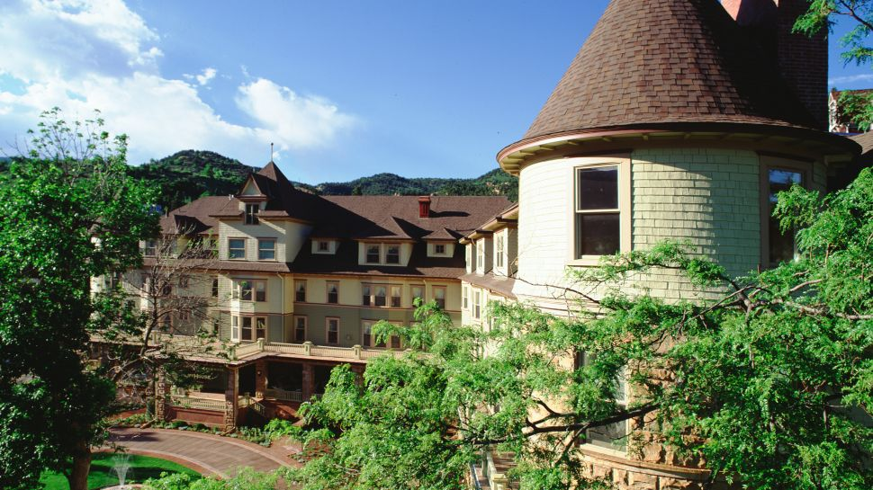 The Cliff House at Pikes Peak — city, country