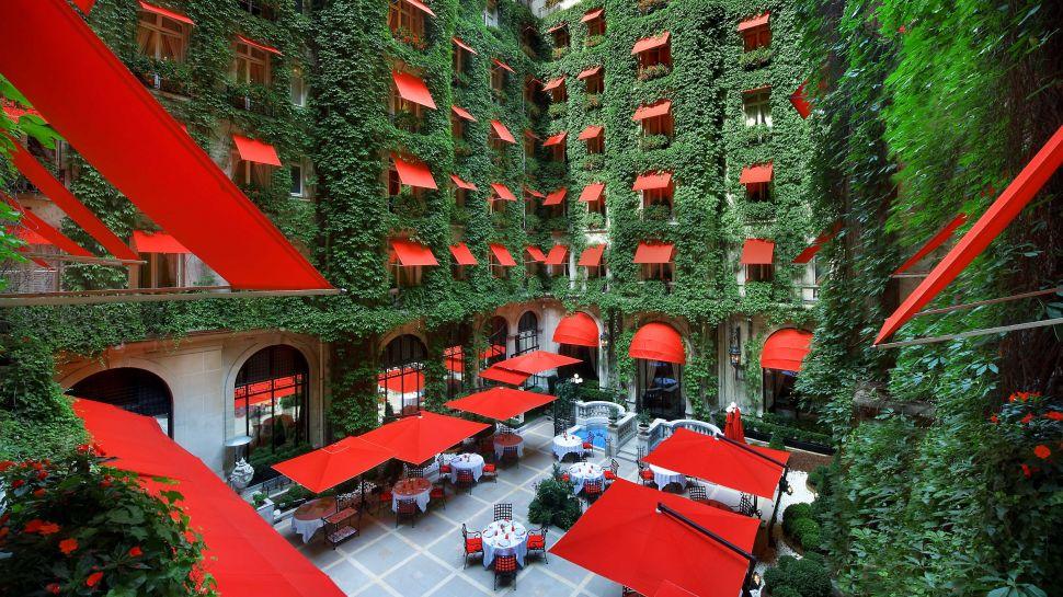Hôtel Plaza Athénée Paris, Île-de-France, France