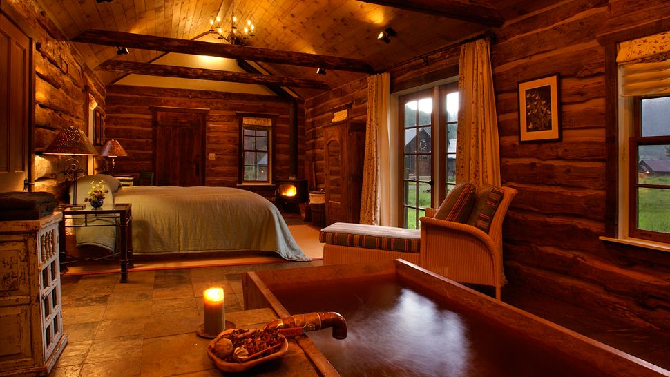 Pin by cynthia saunders on hunting lodge theme pinterest for Hunting cabin interior designs