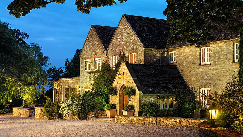 Calcot Manor — city, country