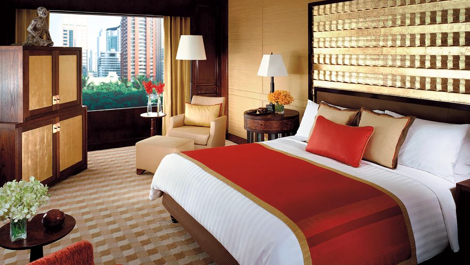 Four Seasons Hotel Bangkok — city, country