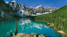 Moraine Lake Lodge  Lake Louise, Canada