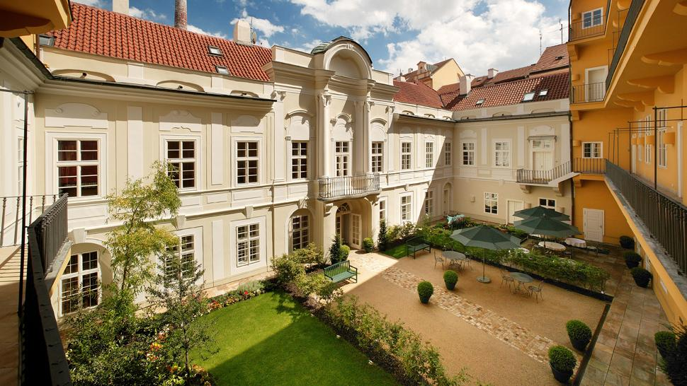 Mamaison Suite Hotel Pachtuv Palace Prague — city, country