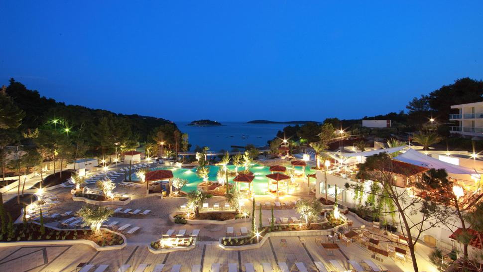 Amfora, hvar grand beach resort — city, country