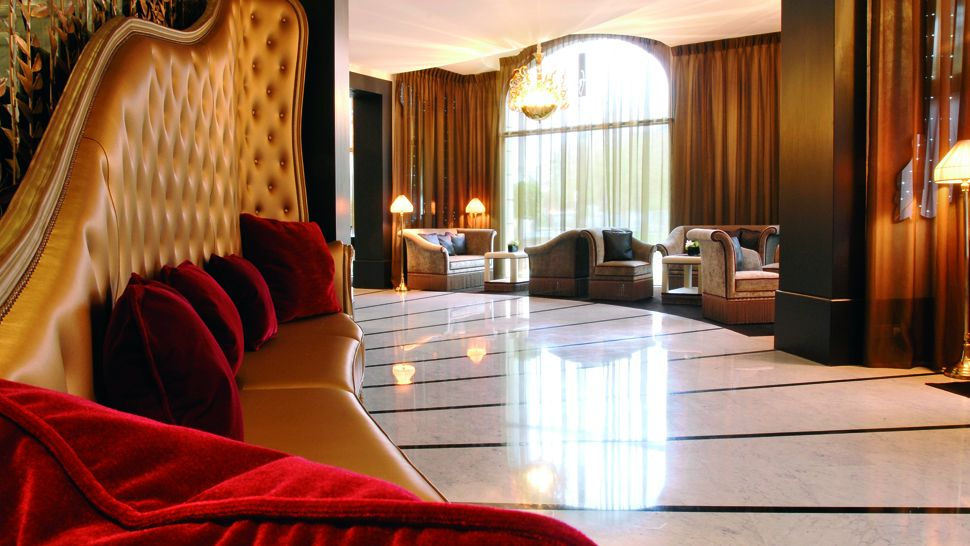 Hôtel Fouquet's Barrière Paris — city, country