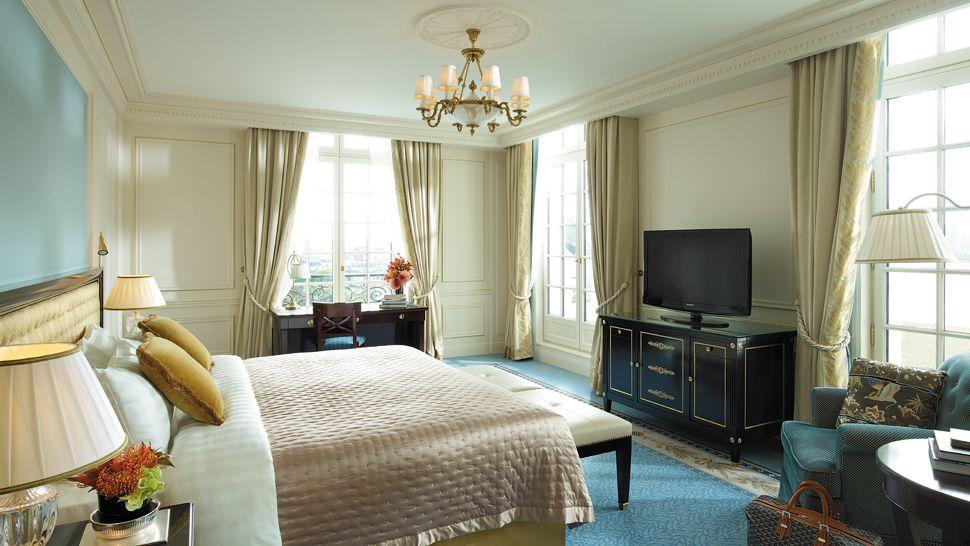 Shangri La Hotel Paris 206 Le De France France