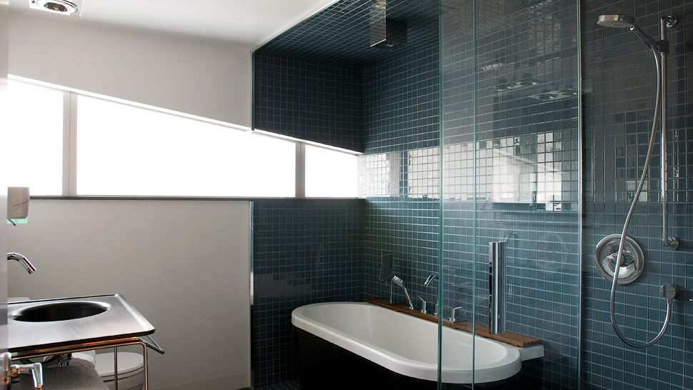 Explore new york city 39 s best 5 star luxury for Narrow window